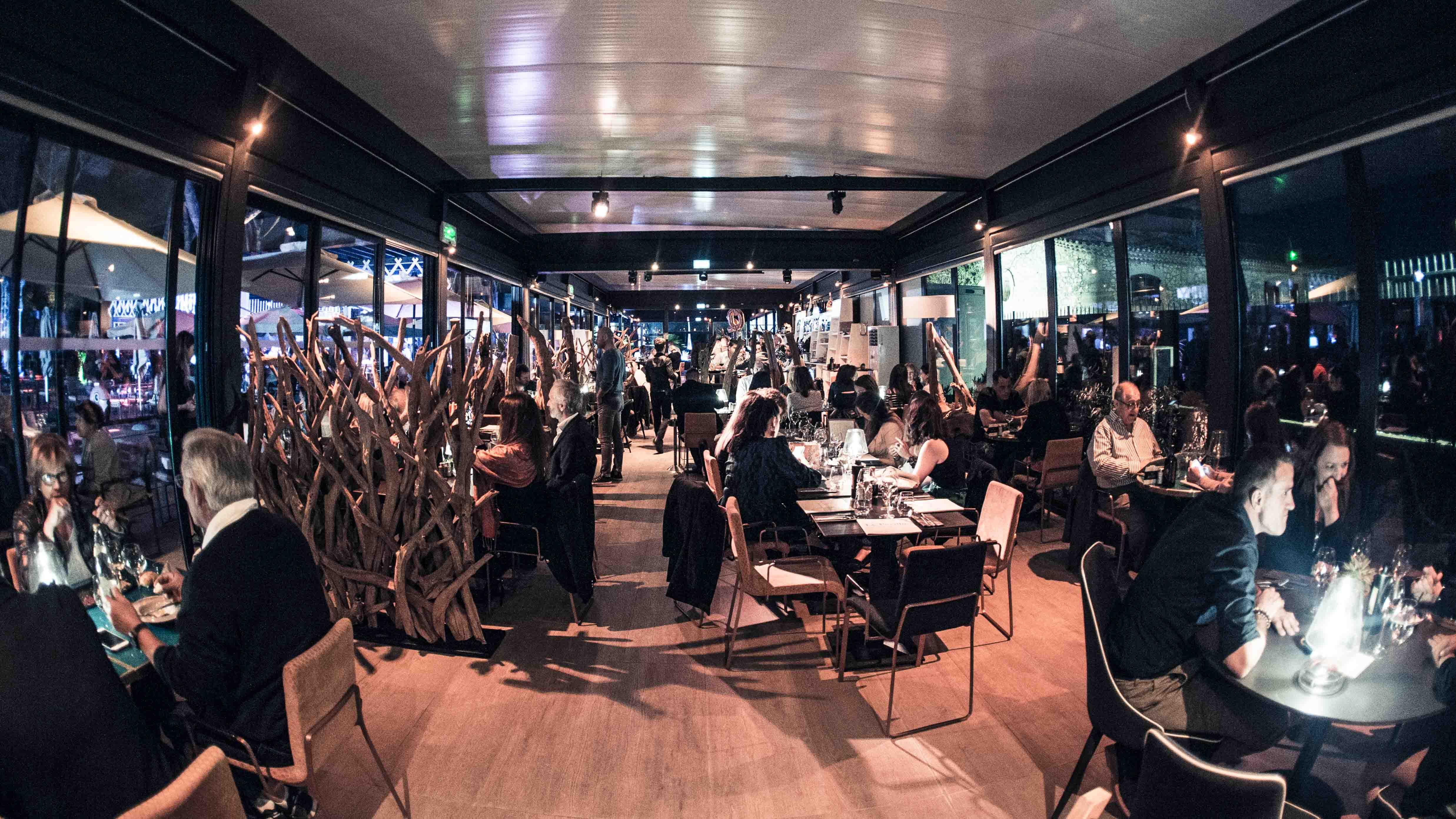 le mas de couran restaurant bar club plage. Black Bedroom Furniture Sets. Home Design Ideas